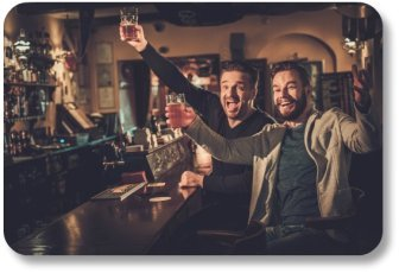 Best Irish Jokes - Friends Raising a Glass