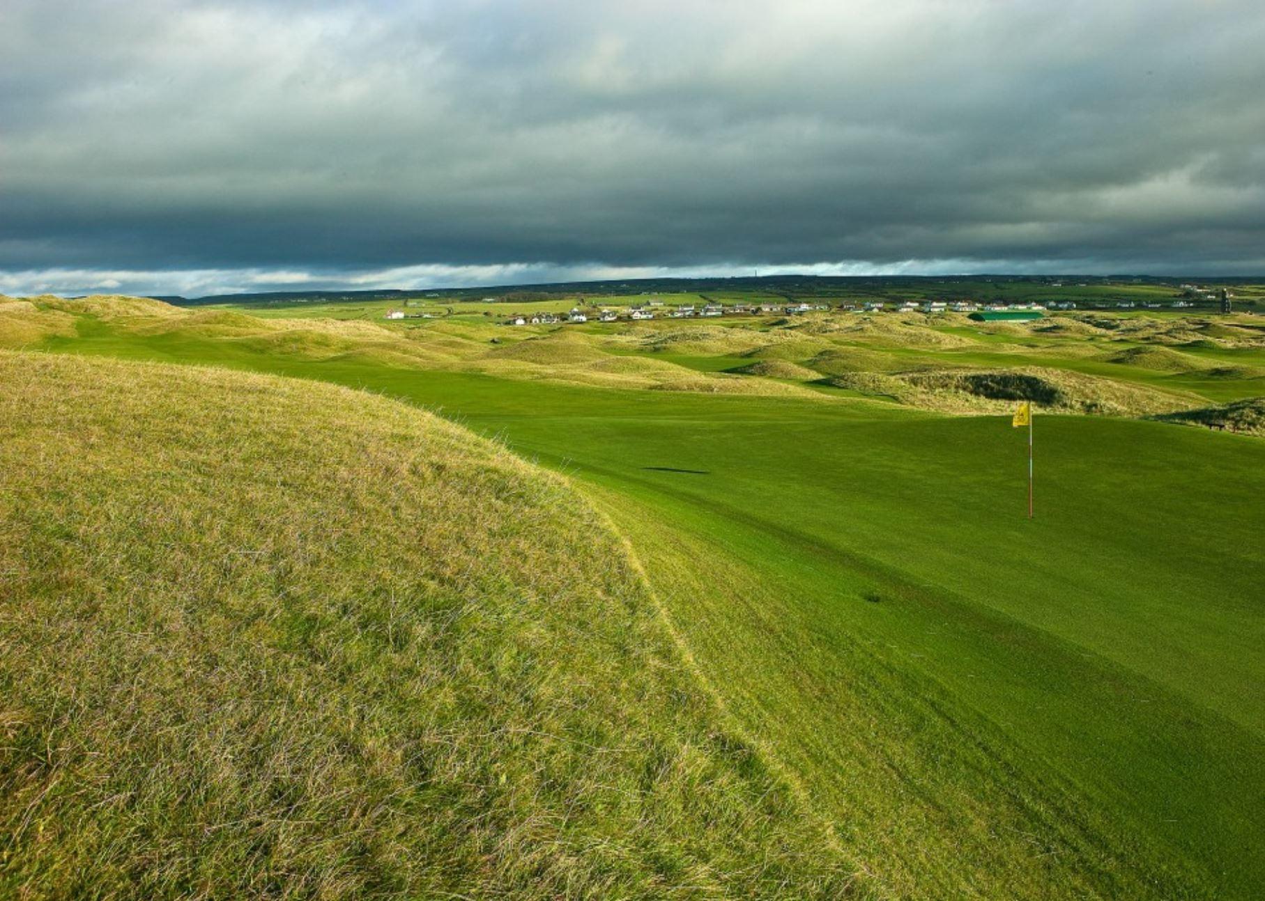 Ireland Golf Vacations - Lahinch, Property of Lahinchgolf.com