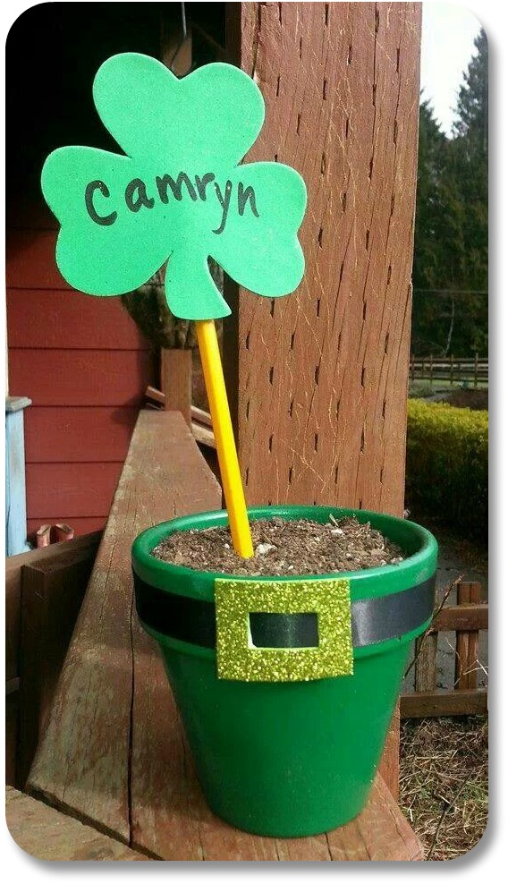 St Patricks Day Kids Crafts - Leprechan Hat Planter from The Posh Pixie