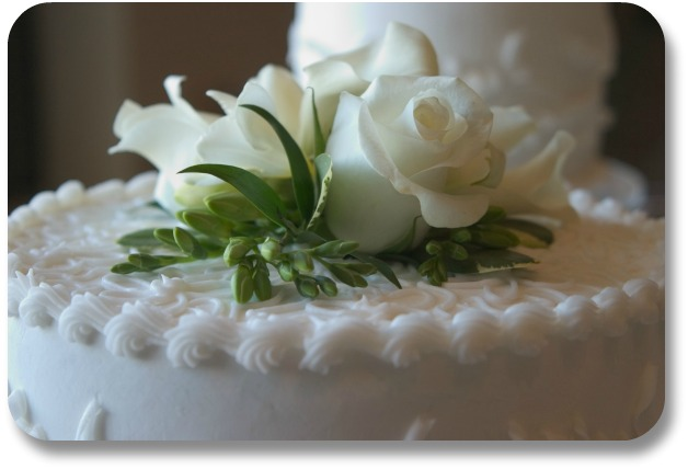Irish Wedding Cake - White Cake Green Trim