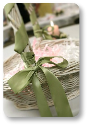 Irish Wedding Favor ideas.  Basket o' bubbles.